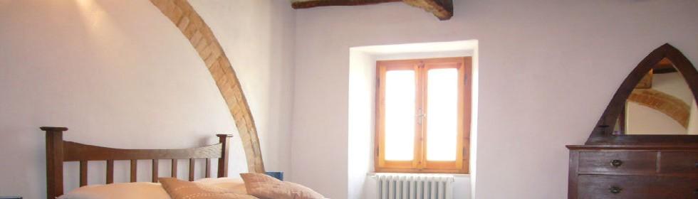 Le Marche Self-catering villa rentals Italy San Raffaello bedroom