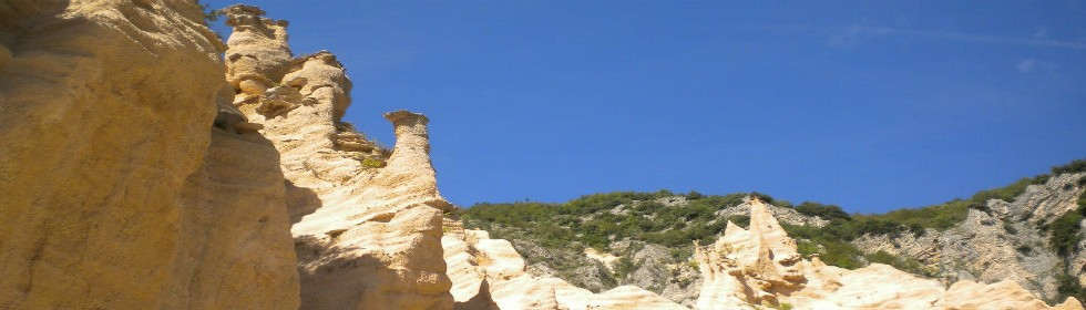 Hiking holidays italy le marche lame rosse nr fiastra