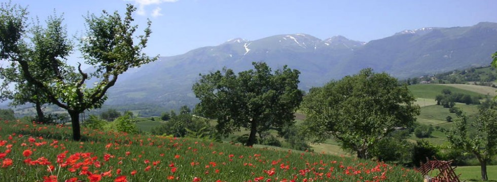 sibillini mountain holiday rental italy