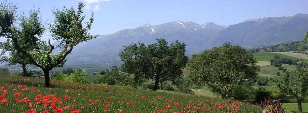 sibillini mountain holiday rental italy