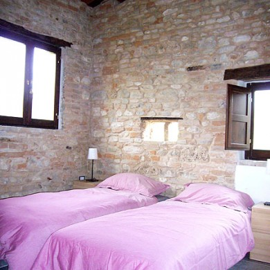 marche houses rental italy