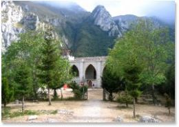 hermitage-at golla-dell infernaccio-le-marche