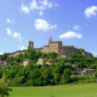 le marche holiday guide