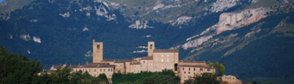Sarnano villa holidays in Marche Italy