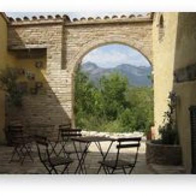 Sibillini villa rental marche