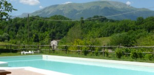 holidays in italy at swimming pool villa san raffaello