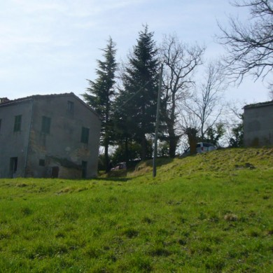 Big Italian farm for sale