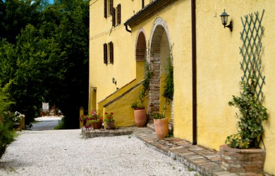 low cost holiday italy