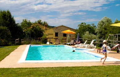 last minute Le Marche self catering holidays