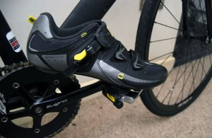 Le Marche carbon bike rentals with pedals, cleats & lock in cycle shoes