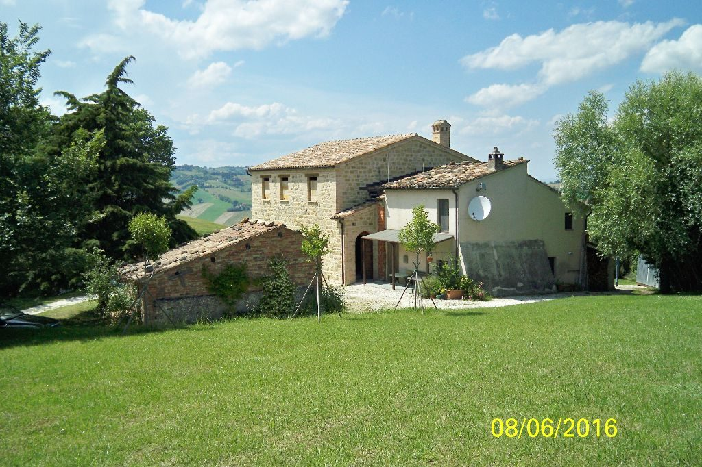 bed and breakfast sale Marche Italy